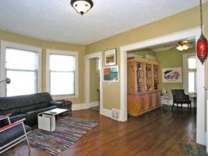 3 Bedroom 1 Bath 1 492 Sqft Side By Side Duplex