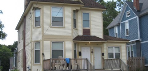 Upper Apartment w/ 2 Bedroom/1 Bath, 942 SQFT, Lots of Extras
