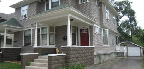 3 Bedroom/1 Bath, 1,492 SQFT, Side-by-Side Duplex Apartment