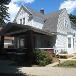 2.5 Bedroom/1 Bath, Upper Apartment, 805 SQFT, One mile to downtown