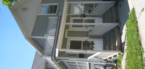2.5 Bedroom/1 Bath, Upper Apartment, 1,035 SQFT, Near GVSU