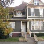 4.5 Bedroom/1 Bath, 1,542 SQFT, Very Large Upper Apartment, Close To Downtown and Wealthy District